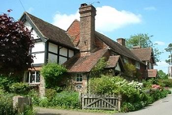 A Horsted Keynes Cottage along Church Lane