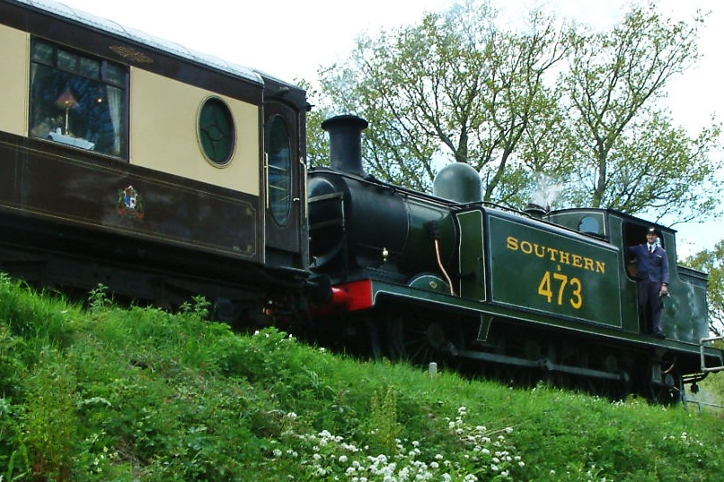 Train Along Riverside Walk, Sheffield Park Station